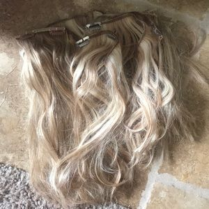 Blonde highlights human clip in hair extensions